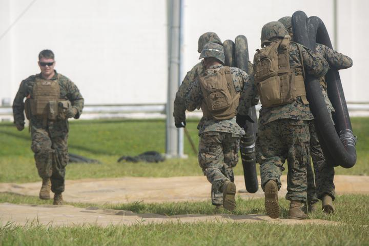 Walk the Line | Marines with Bulk Fuel Company assemble a fuel site [Image 1391]