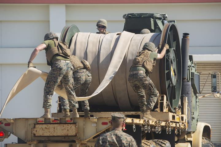 Walk the Line | Marines with Bulk Fuel Company assemble a fuel site [Image 1777]