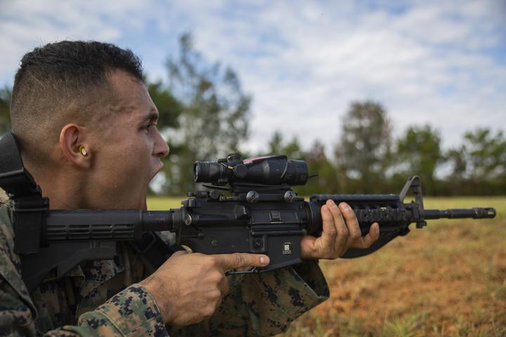 Rush the Enemy | Marines with 3rd MLG executed fire and movement range [Image 1087]